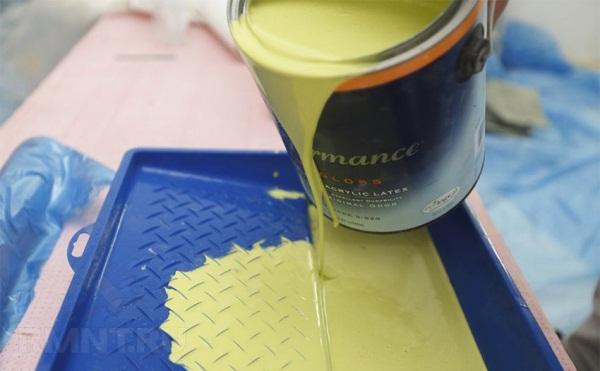 Наливаем краску