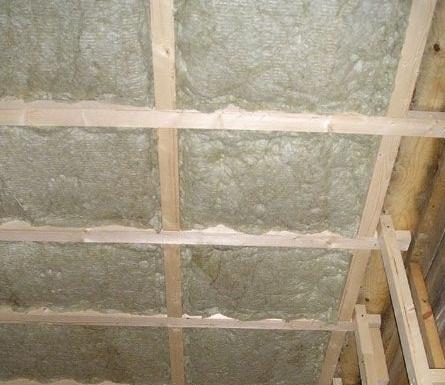Каркас для потолка из брусьев