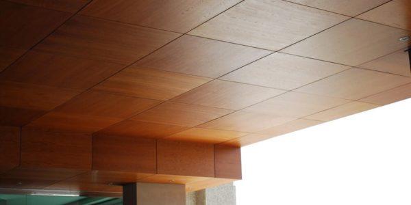 Потолок из листов фанеры